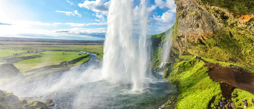 Enchanting Scenic Beauty Experienced In Iceland Tour