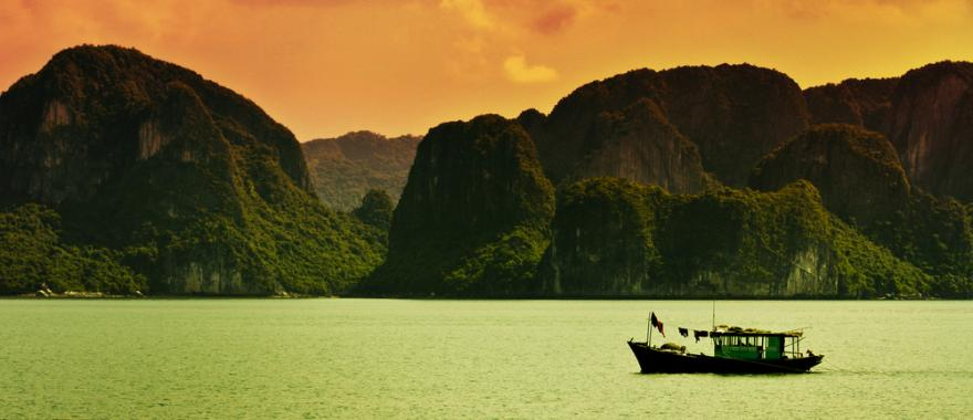 Vietnam Travel Guide: Exploring this Beauty in the Lap of Earth!