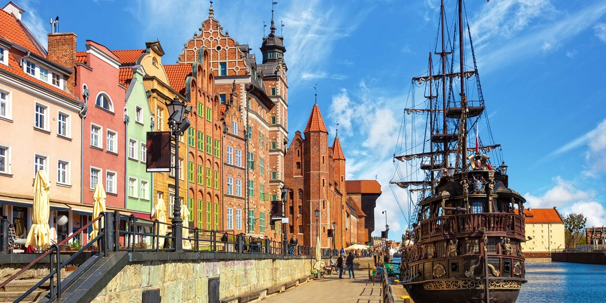 Embark On A Fascinating Journey of Poland and Ukraine With This Europe Vacation Package