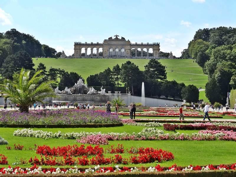 Schu00f6nbrunn Palace Grand Tour