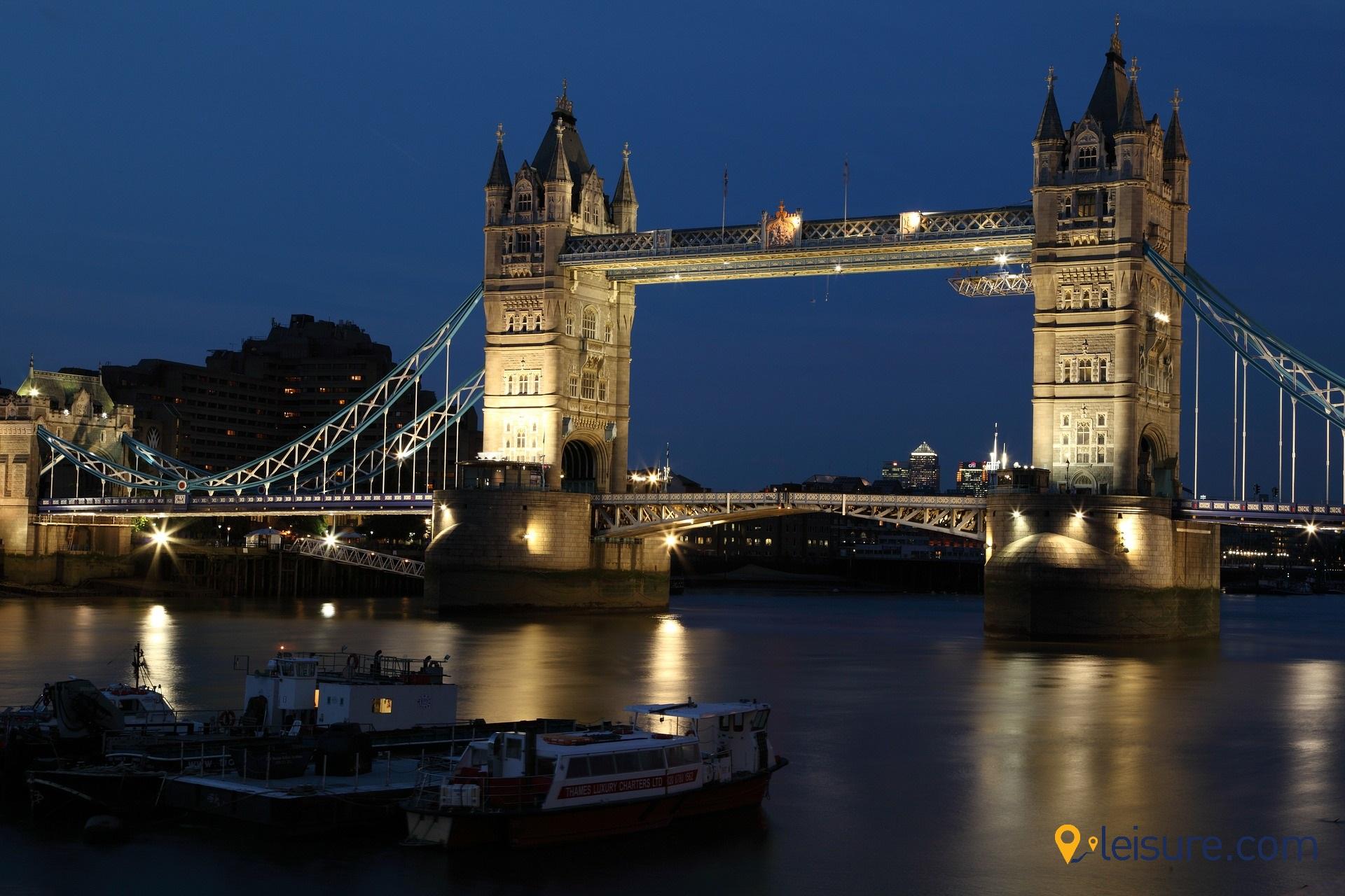 england-dark-architecture