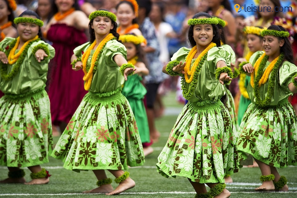 Hawaiian-Hula-Dancers