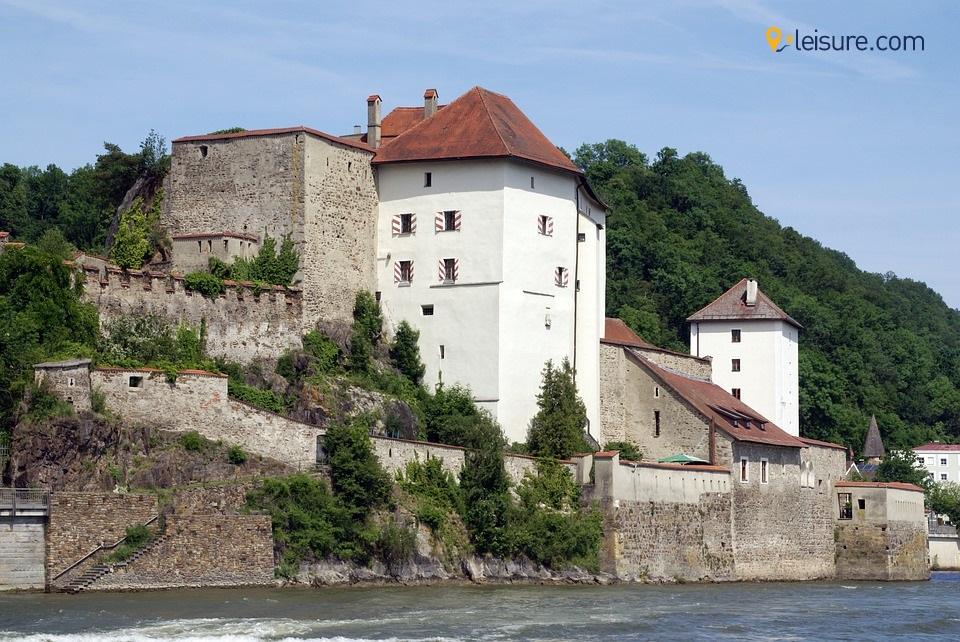 castle house omkg